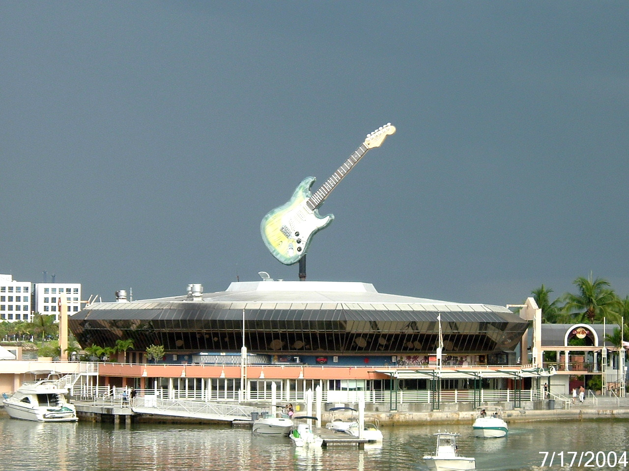 Hard Rock Cafe Bayside Address